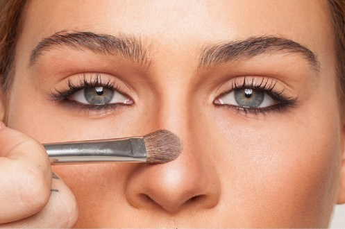 Tehnici de machiaj pentru corectare defecte nas