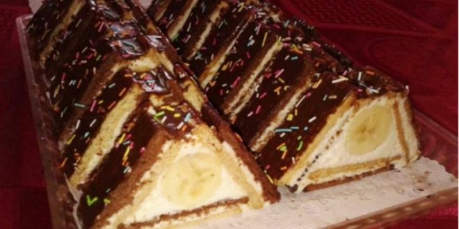 Piramida de biscuiti cu banane