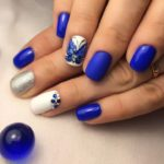 Fluturi albastri si pietre unghii moderne