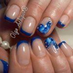 French cu tips albastru si fluturi pe inelar