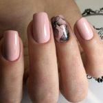 Model unghii nud
