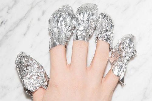 4.Invelire degete in folie de aluminiu