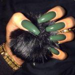 Unghii lungi cu oja semipermanenta verde