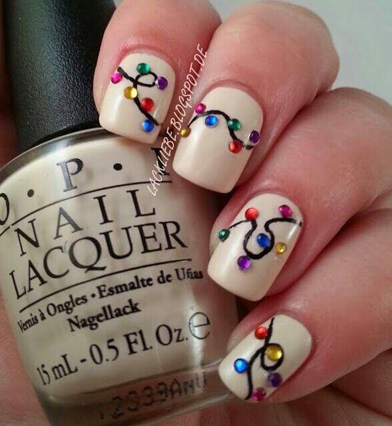 Globuri pictate pe unghii